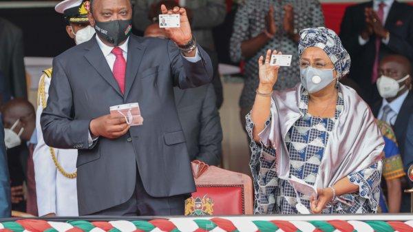 Uhuru and Mama Margaret Kenyatta receive their Huduma Cards